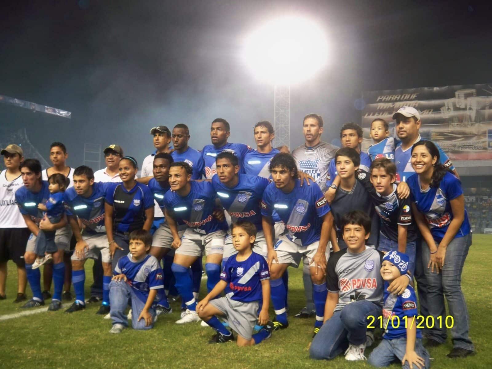Emelec Newells en el inicio de la Copa Libertadores