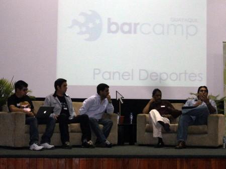 moderador y panelistas