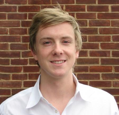 Chris Hugues, co-fundador de Facebook (Igualitos)