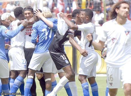 Emelec 2 - AVAI 1 (copa sudamericana) 13 octubre 2010