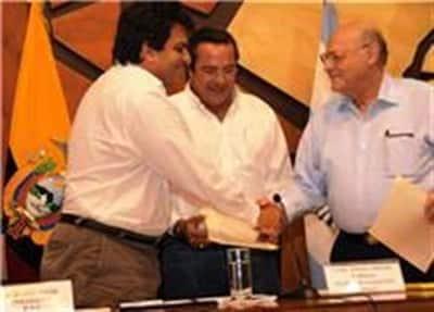 emelec y barcelona firmaron contrato con la prefectura del guayas