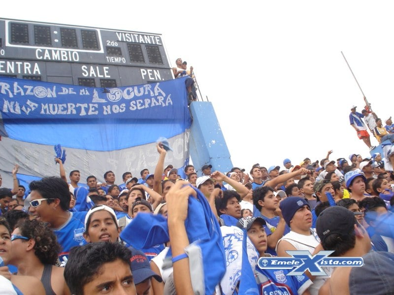 Emelec vs. El Nacional (24 Abril 2011)