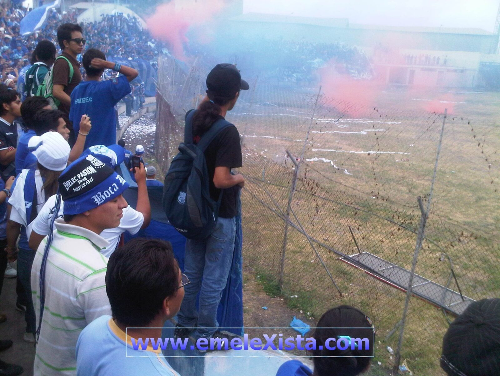 Manta FC vs. EMELEC (27 de Abril 2011)