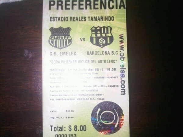 clasico amistoso en portoviejo : barcelona 1×0 emelec