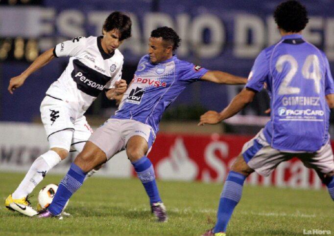 Copa Sudamericana : Partido EMELEC vs. Olimpia (20 septiembre 2011)