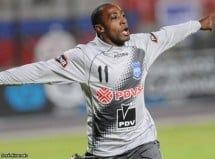 Emelec va a la caza del Deportivo Quito