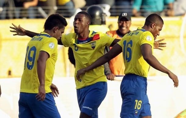 Ecuador 2x0 Perú (15 Noviembre 2011) 1