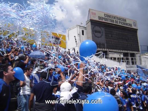 Emelec en el Estadio Atahualpa