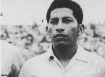 75 años del volante Carlos Pineda