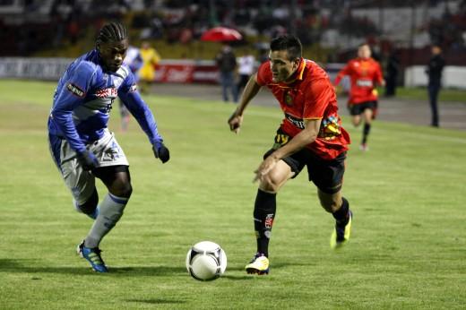 Gabriel Achilier anotó un golazo de cabeza el día de su cumpleaños 27