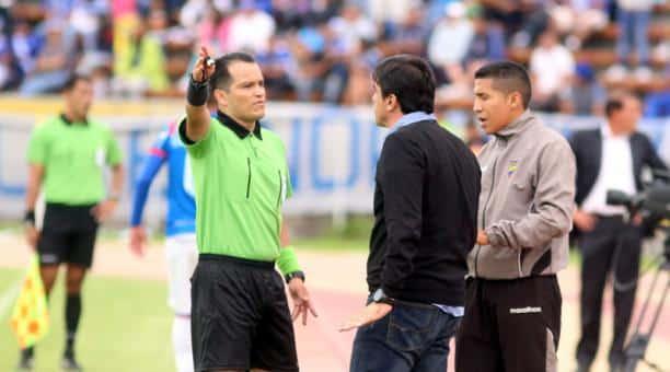 gustavo quinteros no se lleva bien con el arbitraje ecuatoriano