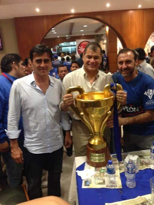 gustavo quinteros es el primer dt bicampeón en la historia de emelec