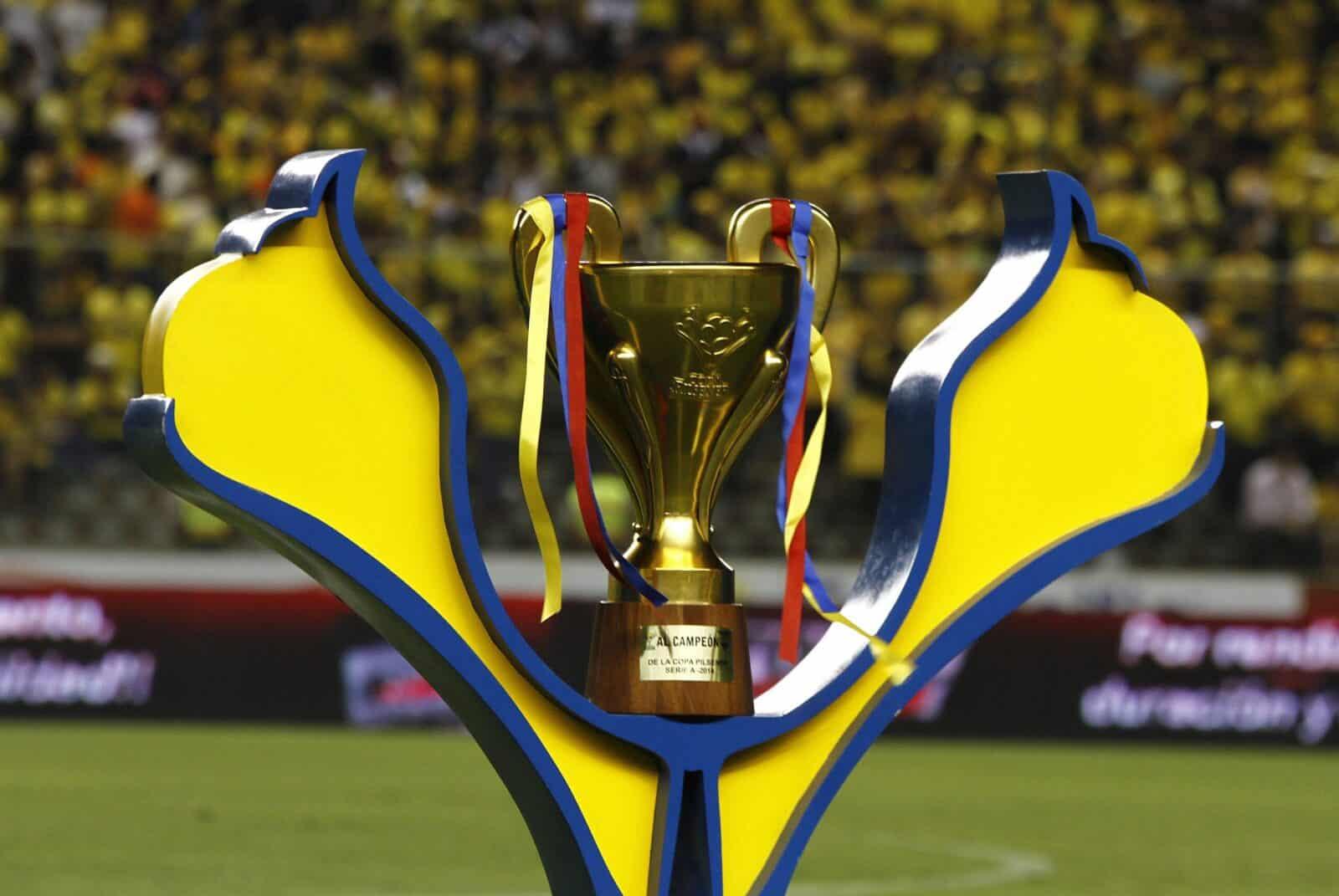 opciones de emelec y barcelona para ganar el título del 2014