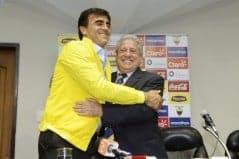 Gustavo Quinteros fue presentado oficialmente en la FEF