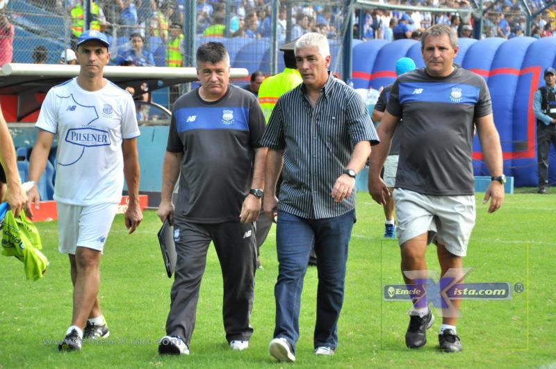 fotos del partido emelec 2 x 0 aucas por el fotógrafo xavier romero