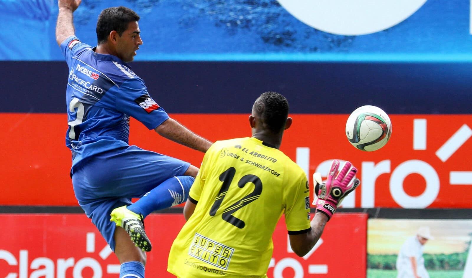 emelec 2 vs 0 deportivo quito (12 de julio 2015)
