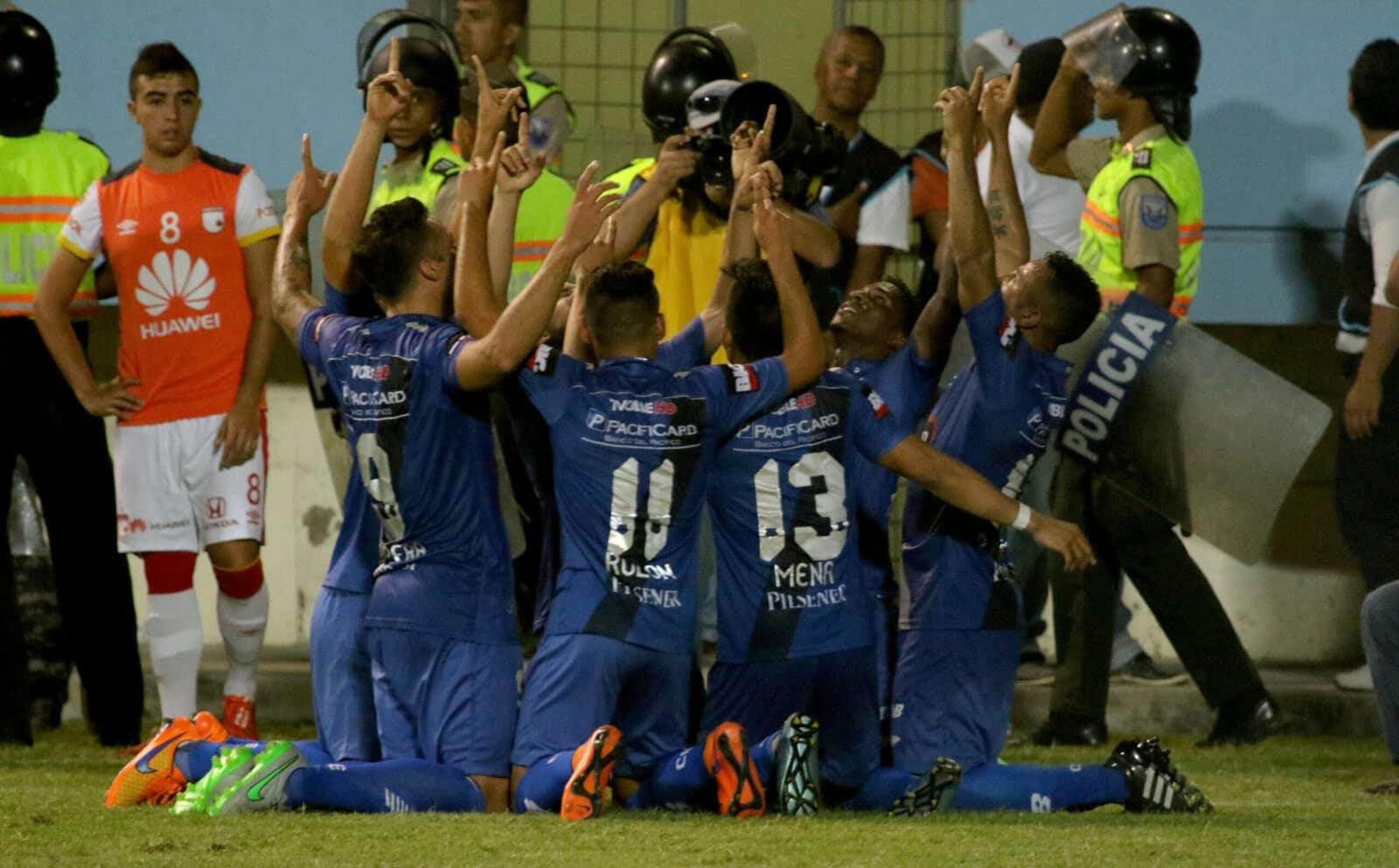 Copa Sudamericana : EMELEC 2 vs 1 Santa Fe
