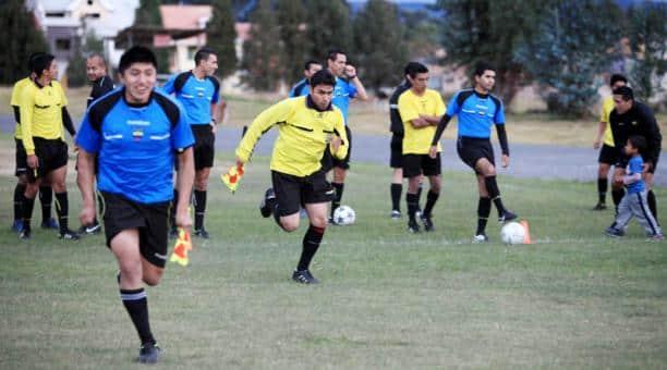 la actuación de los réferis ecuatorianos está en observación