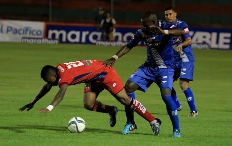 final del partido: emelec 2 x 1 el nacional (28 oct 2015)