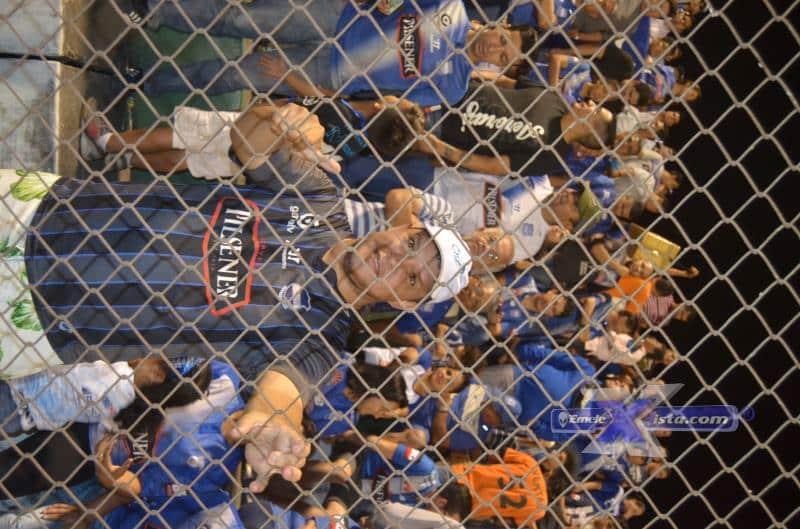 encuentra tu foto en el partido de emelec en el estadio los chirijos