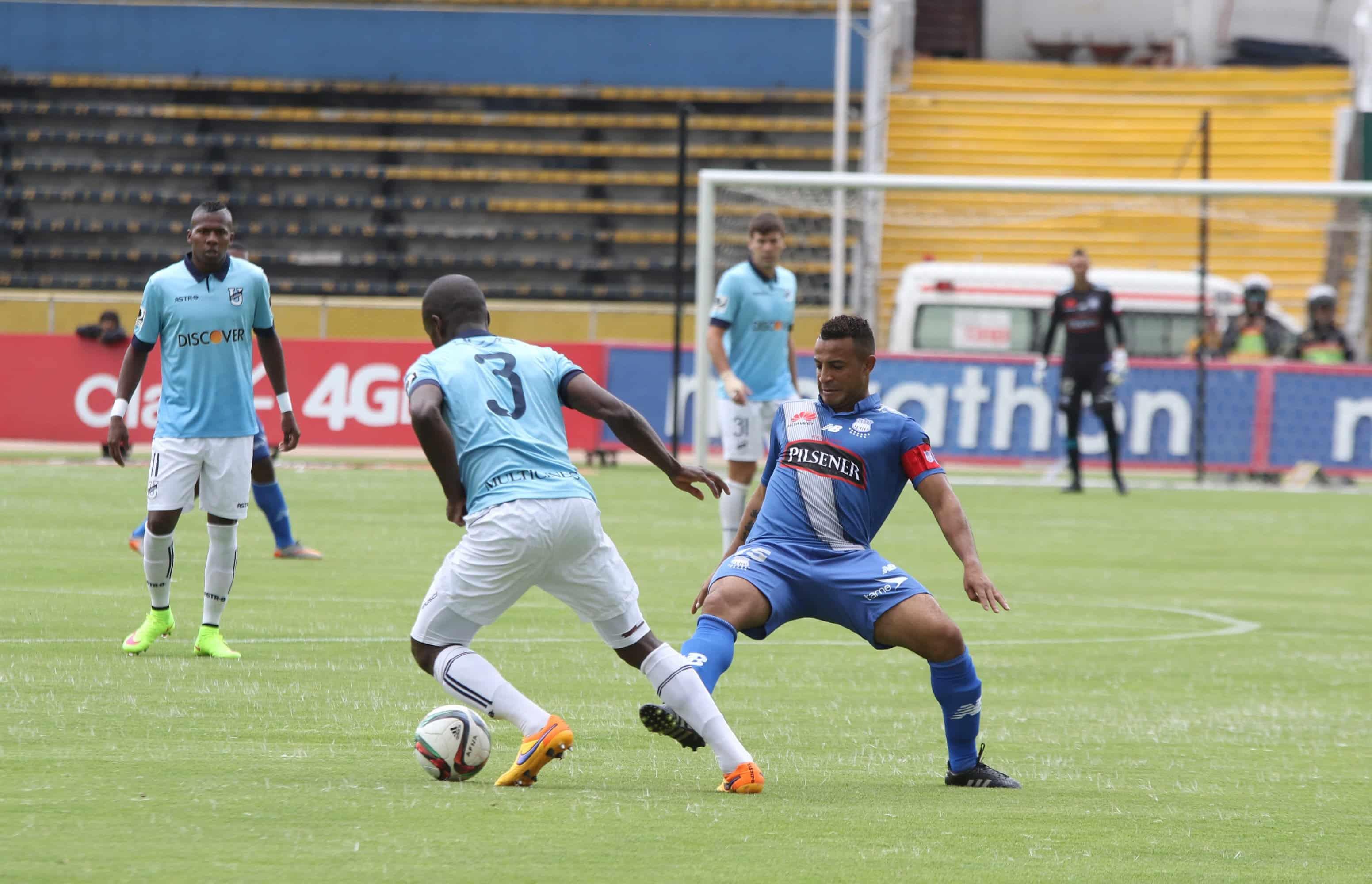 la tricolor sigue sin cambiar su idea en juego contra uruguay