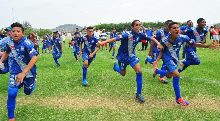 "emelec obtuvo la victoria en el torneo juvenil ""guayas cup"""