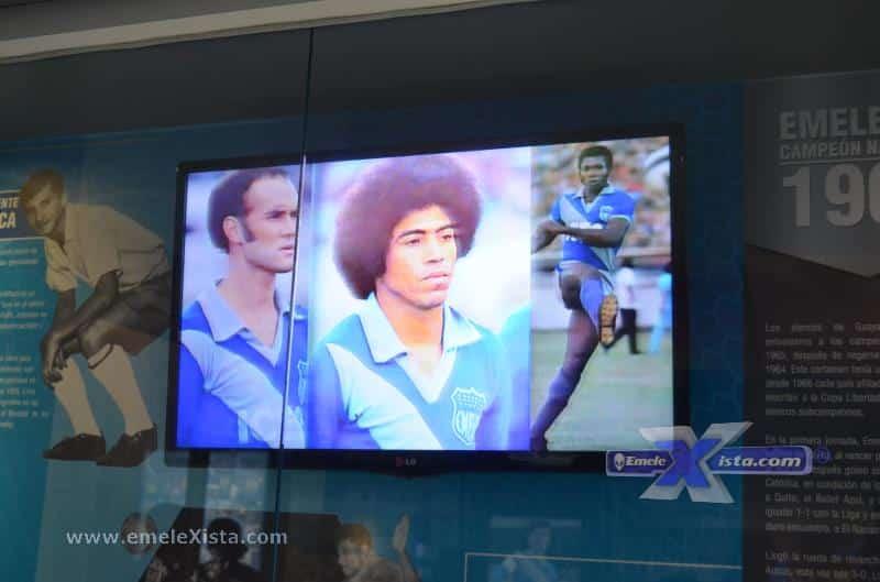 fotos del primer conversatorio con jugadores en el museo de emelec