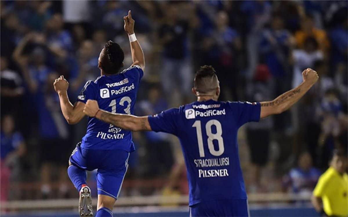 Emelec venció 3-1 a Universitario de Perú y avanzó