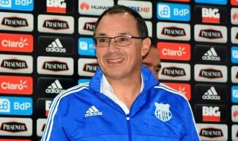 """arias: """"fácil no hay nada y menos en el fútbol ecuatoriano"""""""