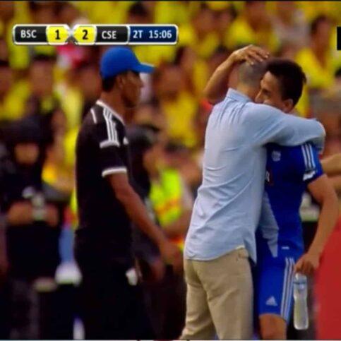 Ángel mena impidió que barcelona se saque el clavo de la final
