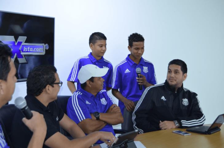 el club sport emelec campeón sub12 celebró con radio emelexista