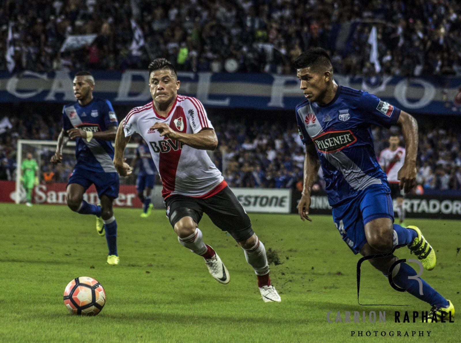 Fotos de EMELEC vs. River Plate por Raphael Carrion