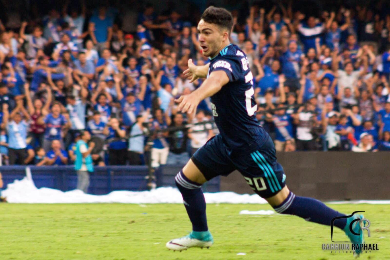 Nicolás Queiroz apasionado por los caballos y el fútbol