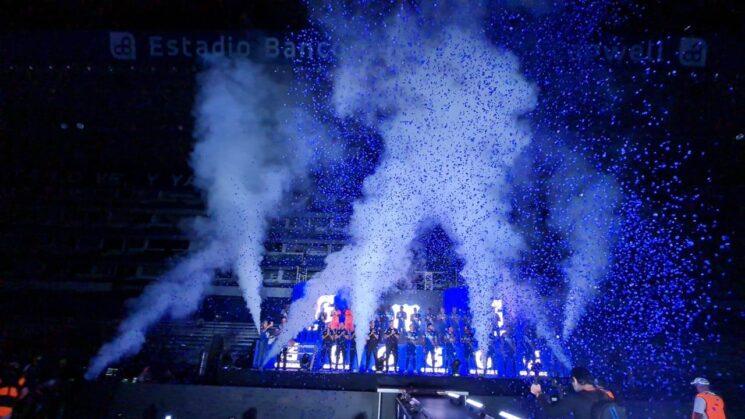 emelec presentó nueva plantilla en la explosión azul 2021