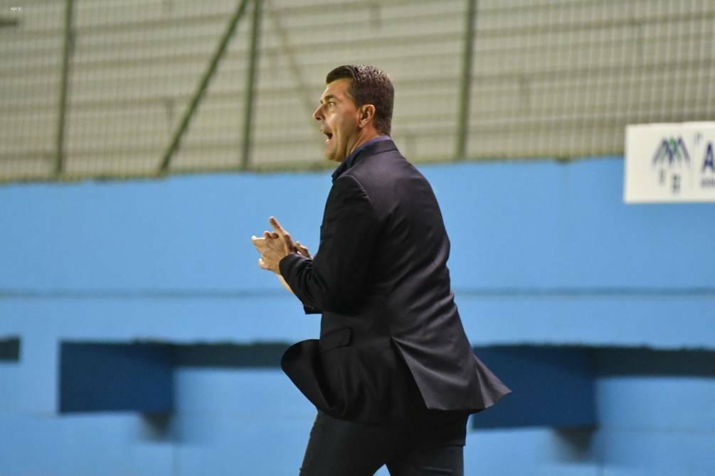 """Ismael Rescalvo: """"Todo se ajustó al plan de juego"""""""