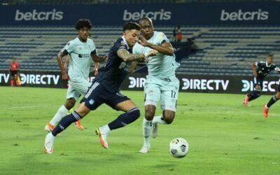 EMELEC rescata un empate al final del partido con U. Católica