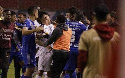 Fuertes sanciones para jugadores de Emelec y Liga