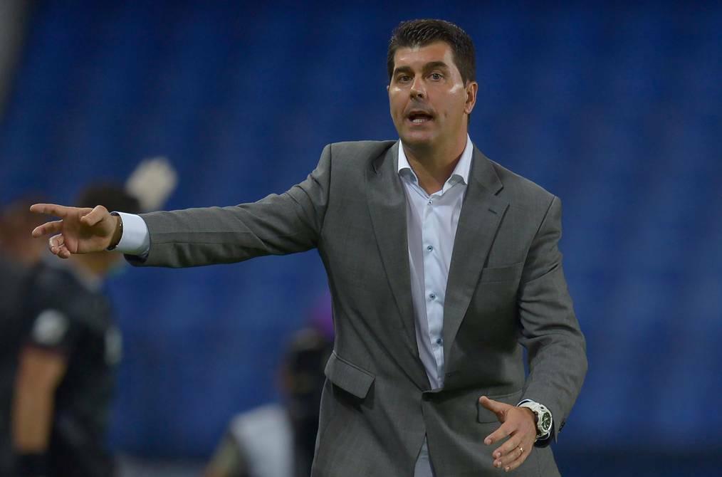 """Ismael Rescalvo: """"Hicimos tres goles legales, pero nos robaron un gol"""""""